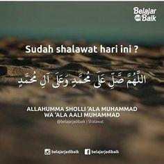 Sudah shalawat hari ini Islamic Inspirational Quotes, Islamic Quotes, Motivational Quotes, Brown Aesthetic, Quote Aesthetic, Mekkah, Religion Quotes, Love In Islam, Study Motivation Quotes