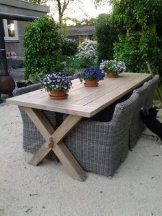 Garden Furniture, Outdoor Furniture Sets, Outdoor Spaces, Outdoor Decor, Garden Table, Diy Patio, Diy Table, Outdoor Entertaining, Patio Design