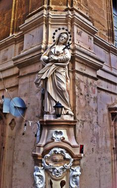 A street shrine for Our Lady of Sorrows in Senglea, Malta. Catholic Art, Roman Catholic, Our Lady Of Sorrows, Malta Island, Queen Of Heaven, Holy Mary, Naples Italy, Blessed Virgin Mary, Blessed Mother
