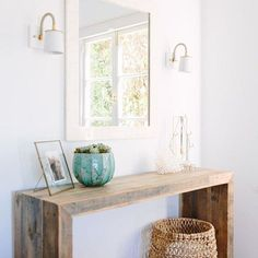 Rustic hallway table decor rustic front entry table gorgeous front hallway table with best narrow hallway Hall Table Decor, Rustic Hallway Table, Decoration Hall, Entryway Console Table, Entry Tables, Entryway Decor, Entryway Ideas, Diy Table, Sofa Tables