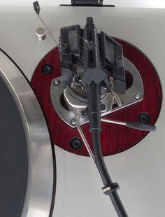Technics-SL-150MK2-Turntable-SME-Series-3-Titanium-Tonearm-Detail