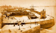 Clarence dock, 1880's. Liverpool Docks, Liverpool History, Old Photos, Paris Skyline, Travel, Old Pictures, Viajes, Vintage Photos, Old Photographs