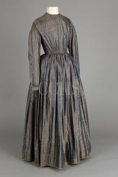 DRESS, 1840s BACK TO ERA BEFORE THE CIVIL WAR Changeable blue and cream silk taffeta
