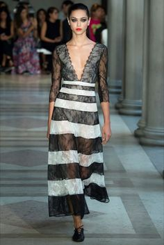 Sfilata Carolina Herrera New York - Collezioni Primavera Estate 2017 - Vogue