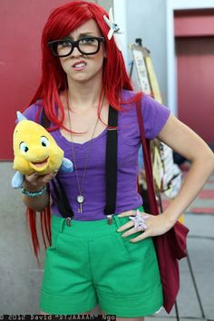 15 Funny Halloween Costumes For Women - hipster ariel Costumes Halloween Disney, Disney Costumes For Women, Ariel Costumes, Hallowen Costume, Costumes For Teens, Cute Costumes, Halloween Kostüm, Costume Ideas, Diy Ariel Costume