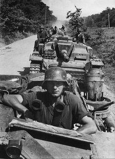 Stugs III auf dem Marsch Unternehmen Zitadelle Battle of Kursk July 1943 Russland