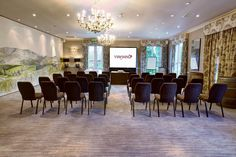 The Oakville Suite at 5 star luxury venue, The Vineyard is a flexible meeting space and works extremely well as a theatre style meeting space.