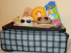 Traveling with baby and not sure what to pack in your baggage? follow the link for a packing list!