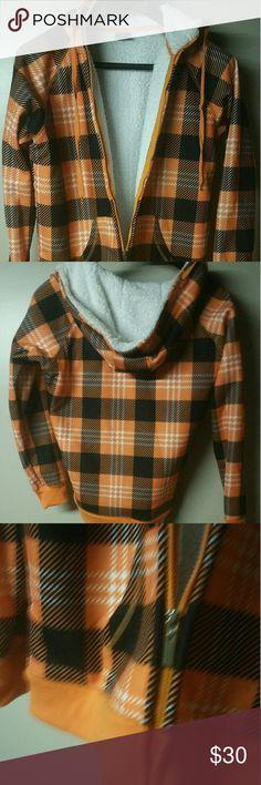 Checkered wooly fleece warm hoodie L L nwot wooly warm hoodie. Tops Sweatshirts & Hoodies