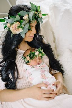 Trendy baby girl newborn pictures with mom mother daughters ideas Newborn Pictures, Maternity Pictures, Pregnancy Photos, Birth Photos, Newborn Pics, Baby Pictures, Foto Newborn, Baby Girl Newborn, Baby Birth