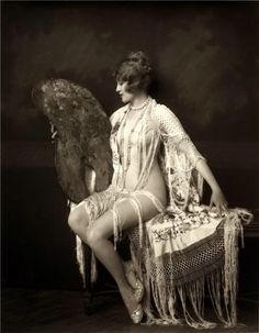 Beautiful... If I ever do a boudoir shoot, I'd like to do something like this.
