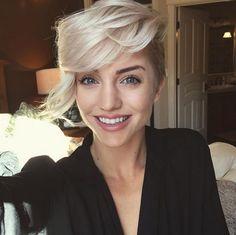 side-swept-blonde-pixie