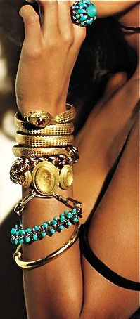 Great combination of gold & turquoise