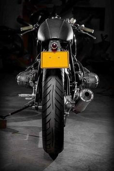 1980 R1000T Sette Nero MC | Creating uncompromising custom-made motorcycles