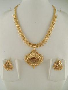 Gold Jewelry For Wedding Product Gold Jewelry Simple, Stylish Jewelry, Fashion Jewelry, Gold Fashion, Fashion Necklace, Pearl Necklace Designs, Gold Earrings Designs, Gold Designs, Ring Designs