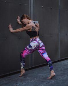 Posing ideas women | Headshot Photographer | Outdoor portraits | Female Portraits | Female Posing | Photography inspo | Photography ideas | Best Portraits | Posing ideas | Women's fashion | athletic outfits | athletic women | athletic wear | workout clothes | sporty outfits | athleisure outfits | workout attire | sporty fashion | sporty fashion style | active wear | gym clothing | yoga pants | bombshell sportswear | yoga style | cool yoga pants Sporty Fashion, Yoga Fashion, Athletic Fashion, Sporty Style, Athletic Women, Fashion Outfits, Athleisure Outfits, Sporty Outfits, Athletic Outfits