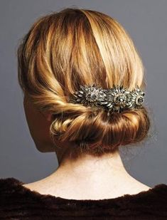 Are you looking for Holiday hairstyles for that event you're attending? The holidays are the prime time of the year to experiment, have fun and try a new style! Here are 30 ideas to help you pick out the perfect style you want to try. I think I might go with an updo this year!