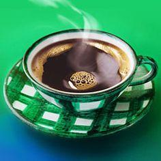Si se analizan las propiedades del café se sabe que este, gracias a su contenido en cafeína, mantiene alerta el sistema nervioso y reduce la fatiga mental. Pero ahora también se conoce que ciertos compuestos del café reducirían el riesgo de padecer ciertas enfermedades degenerativas como por ejemplo la diabetes tipo 2, el mal de Alzheimer y distintos tipo de cáncer.