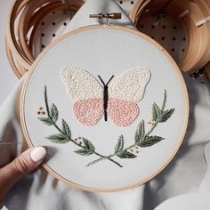 Wonderful Ribbon Embroidery Flowers by Hand Ideas. Enchanting Ribbon Embroidery Flowers by Hand Ideas. Butterfly Embroidery, Hardanger Embroidery, Simple Embroidery, Learn Embroidery, Hand Embroidery Stitches, Embroidery For Beginners, Embroidery Hoop Art, Hand Embroidery Designs, Vintage Embroidery