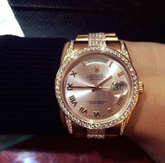 Rolex Oyster Perpetual Lady Day-Date | #majordor #rolexwatches #rolexdaydate #luxurywatches | www.majordor.com