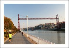 Puente colgante (desde Las Arenas)