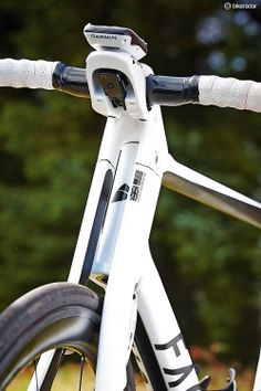 Doing the splits: the factor's ultra-distinctive fork and down-tube:
