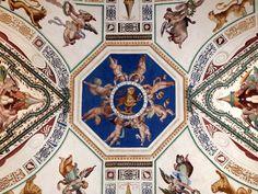 Ceiling_photo-Fotografiado en el Museo del Vaticano. DE FORTI EGRESSA EST Dulcedo