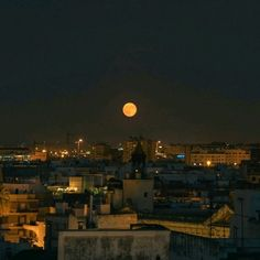 Night Aesthetic, City Aesthetic, Dark Paradise, Paris, Ciel, Pretty Pictures, Aesthetic Pictures, Aesthetic Wallpapers, Beautiful Places