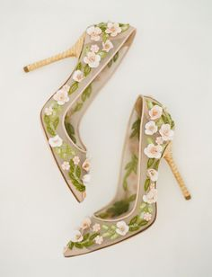 Women's Floral Heels Pointy Toe Stiletto Pumps - Shoes Wedding Heels, Green Wedding Shoes, Dress Wedding, Colorful Wedding Shoes, Bridal Heels, Jimmy Choo, Minimalist Outfit, Floral Heels, Dolce & Gabbana