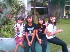 i'm not too remember that moment, but it must be happy moment