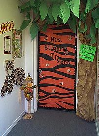 Pictures of halls, walls and bulletin boards. Thinking of loosing the camping theme for next year and going with a jungle one instead. This is so fun!