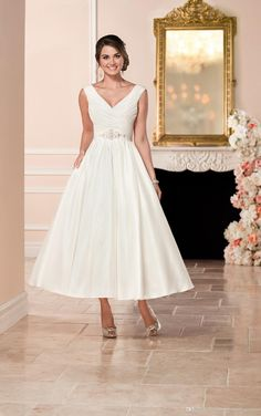 2017 Stella York Short Wedding Dresses For Brides With V Neck And Zipper Back Ruched Satin Ankle Length Bridal Gowns Chiffon A Line Wedding Dress Designer Wedding Dresses Cheap From Uniquebridalboutique, $115.33| Dhgate.Com