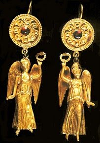 Ancient gold earrings, Ancient kingdom og Cochi, Georgia.