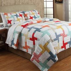 Amity Home Georgina Twin Quilt Set In White White/multi - Liven up your bedroom with the Amity Home Georgina Quilt Set. Decked out in a colorful geometric pattern on a crisp white ground, the unique bedding adds both comfort and style to any room's décor. King Quilt Sets, Queen Quilt, Colchas Quilting, Bedspreads Comforters, Amity Home, Shabby, King Pillows, Twin Quilt, Bed Duvet Covers