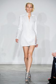 Cushnie et Ochs Spring 2010 Ready-to-Wear Collection Slideshow on Style.com