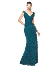 Vestido de fiesta azul con flecos anchos de tul Modelo Nila - Pronovias 2015