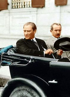 Mustafa Kemal ATATÜRK and Inonu (second President of the Republic). Republic Of Turkey, The Republic, Turkish Army, The Legend Of Heroes, Great Leaders, World Peace, World Leaders, Held, Warriors
