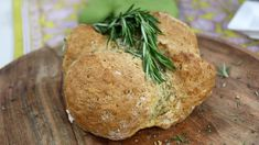 Rosemary Clodagh bread with Irish soda bread, rosemary, baking soda milk and yogurt. The perfect side dish to accompany meals or stand in for toast in the morning. Bread Bun, Healthy Cooking, Cooking Tips, Cooking Games, Cooking Classes, Cooking Recipes, Marilyn Denis Recipes, Irish Recipes, Side Dishes