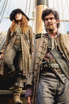 Anne Bonny (Clare Paget) and 'Calico' Jack Rackham (Toby Schmitz) - Black Sails. (I want her garb!)