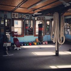 36 of the Best Home Gym Set Up Ideas You'll Ever Get - Style isn't everything, as a gym is a space to work out, but you can learn how to create one by c - Garage Gym, Basement Gym, Basement Ideas, Home Gym Set, Diy Home Gym, Best Home Gym, Home Gym Design, Design Your Home, Garage Design