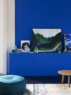 mur bleu couloir
