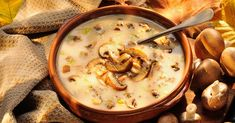 Make it a comfort food night with this Cream of Mushroom Soup recipe - it's hearty, easy and goes great with our Barber Foods Cordon Bleu stuffed chicken. Creamy Mushroom Soup, Mushroom Soup Recipes, Creamy Mushrooms, Stuffed Mushrooms, Stuffed Peppers, Mushroom Pie, Veggie Fries, Veggie Stir Fry, Chile Pasilla