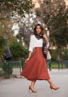 scarf: Asos skirt: H&M shoes: Mango bag: Céline shirt: Zara watch: Sheen de Casio