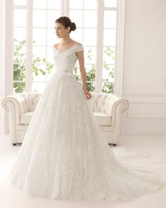 2015 Classic A-line Off the Shoulder Cathedral Train Applique Lace Flowers Wedding Dress - Storedress.com