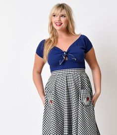 For the vintage vixen you've been hiding! A nautical touch combined with a casual look that's perfect for day wear, the Plus Size Hell Bunny Bardot Top in navy is a plus size 1950s top that will easily work its way into your retro rotation! This sexy off