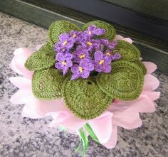Cute! I should make this -- maybe I wouldn't kill it..lol. Too bad I don't speak French.