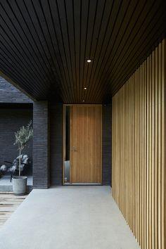 House Cladding, Facade House, House Entrance, Entrance Doors, Modern Windows And Doors, Door Design, House Design, Internal Sliding Doors, Timber Ceiling