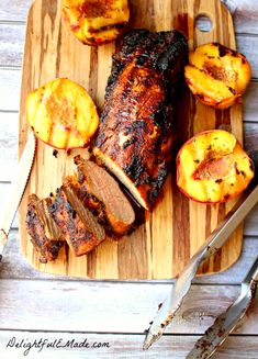 Easy Grilled Pork Loin with Sugar and Spice Rub and Grilled Peaches - Delightful E Made Grilling Recipes, Meat Recipes, Cooking Recipes, Healthy Recipes, Dinner Recipes, Traeger Recipes, Smoker Recipes, Delicious Recipes, Barbacoa