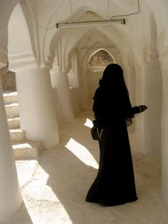 Our Lord! pour out on us patience, and cause us to die as Muslims. Hijab Niqab, Muslim Hijab, Beautiful Muslim Women, Beautiful Hijab, Niqab Fashion, Islamic Girl, Islamic Fashion, Tumblr, Girl Hijab