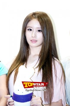 T-ARA Ji Yeon promoting Booto doll…Character Licensing fair 2012 surprise appearance [KPOP]